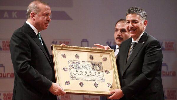 Cumhurbaşkanı Recep Tayyip Erdoğan ile Boğaziçi Üniversitesi Rektörü Prof. Dr. Mehmed Özkan - Sputnik Türkiye