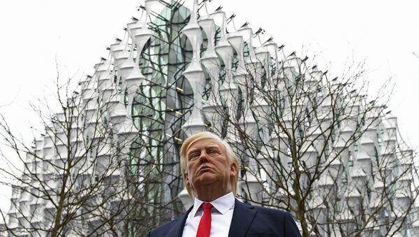 Madame Tussauds Müzesi balmumu Donald Trump heykeli ABD'nin yeni Londra Büyükelçiliği - Sputnik Türkiye