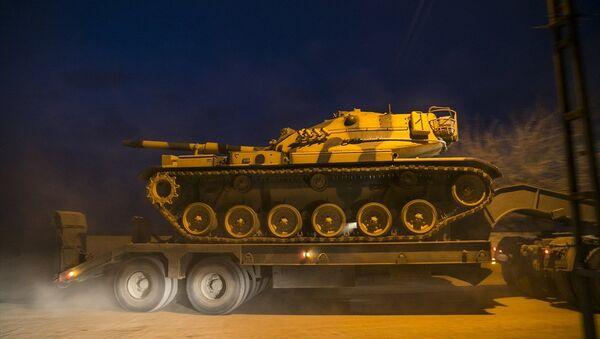 Suriye sınırına tank sevkıyatı - Sputnik Türkiye