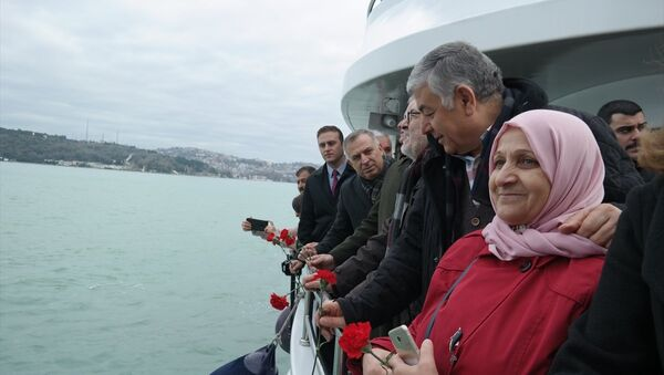 Nazım Hikmet, Türkiye'de son ayak bastığı yerde anıldı - Sputnik Türkiye