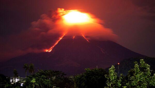 Filipinler'de Mayon Yanardağı endişesi - Sputnik Türkiye