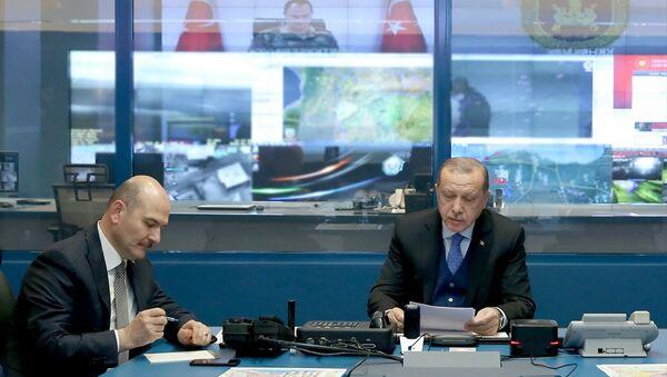 Cumhurbaşkanı Recep Tayyip Erdoğan ile İçişleri Bakanı Süleyman Soylu - Sputnik Türkiye