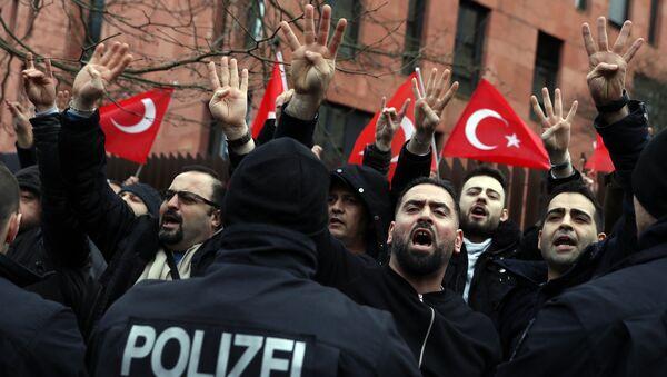 Berlin'de Afrin protestosu - Sputnik Türkiye