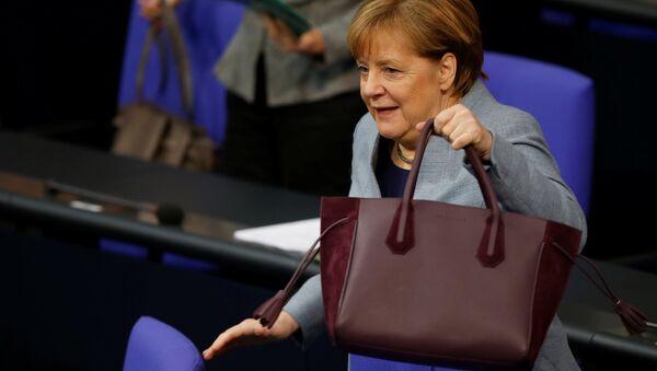 Angela Merkel Bundestag - Sputnik Türkiye