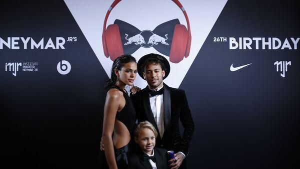 Neymar Jr. Bruna Marquezine Davi Lucca da Silva Santos - Sputnik Türkiye