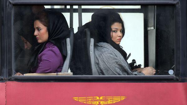 1979  İslam Devrimi öncesi ve günümüzde İran'da kadınlar - Sputnik Türkiye