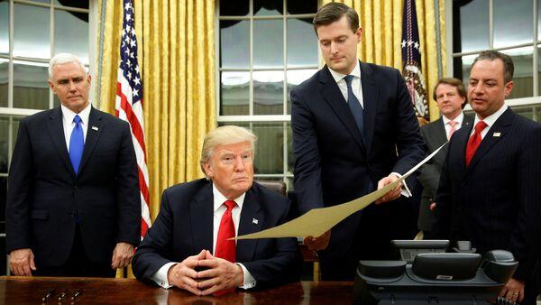 Donald Trump Rob Porter - Sputnik Türkiye