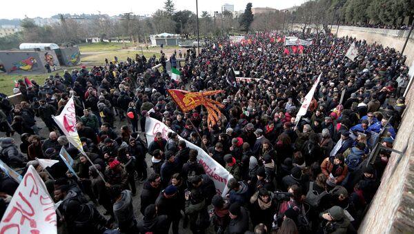 İtalya'da ırkçılık karşıtı eylem - Sputnik Türkiye
