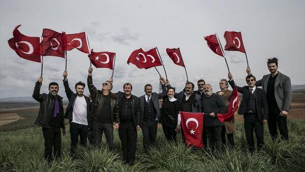 Ünlü isimlerden Afrin harekatına sınırdan destek - Sputnik Türkiye