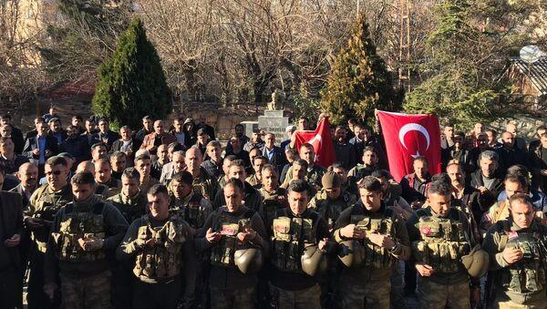 Korucular Afrin'e gitti - Sputnik Türkiye