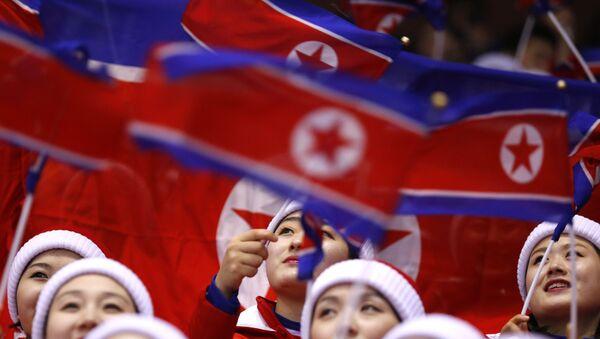 Kuzey Koreli ponpon kızlar - Sputnik Türkiye