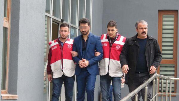 Volkan Konak'ın sahne aldığı mekanda ateş açan şüpheli tutuklandı - Sputnik Türkiye
