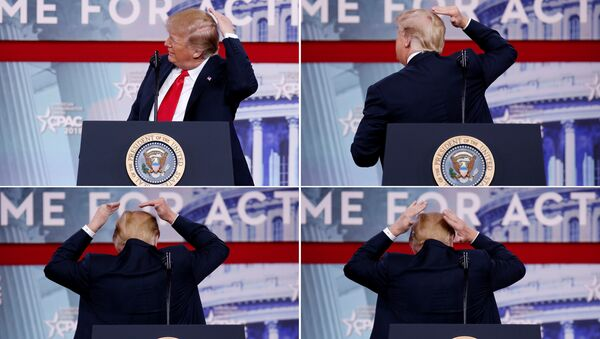 Trump Muhafazakar Siyasi Eylem Konferansı'nda (CPAC) adeta 'kelaj' şovu yaptı. - Sputnik Türkiye
