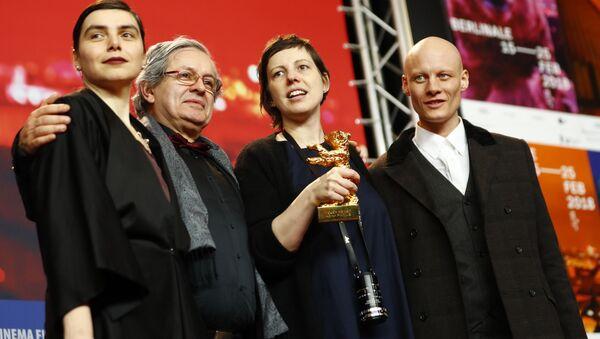 68. Berlinale'de en iyi film ödülünü kazanan Touch Me Not'ın yönetmeni Adina Pintilie - Sputnik Türkiye