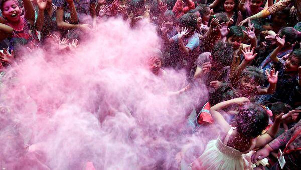 Hindistan'da Holi Festivali - Sputnik Türkiye
