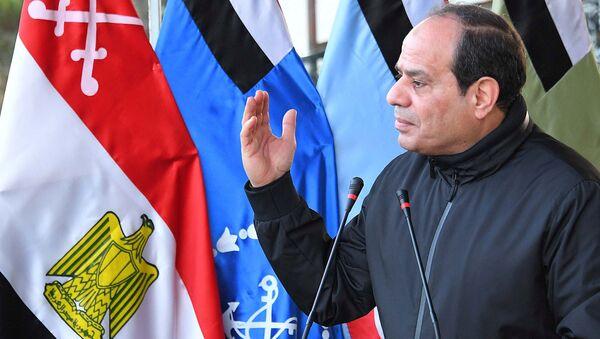 Mısır Cumhurbaşkanı Abdülfettah Sisi Kahire askeri akademi - Sputnik Türkiye