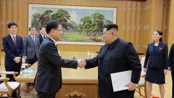 Heyet, Güney Kore Devlet Başkanı Moon-Jae-in'in yeni görüşmeler için Kim'i Güney'e davet ettiği mektubu da Kuzey Kore liderine teslim etti. KCNA'dan yapılan açıklamada  Kim'in mektup konusunda 'fikir teatisinde bulunduğu ve tatmin edici bir anlaşma yaptığı' belirtilerek bu konuda harekete geçilmesi talimatı verdiğini aktardı. Ancak talimatlar konusunda ayrıntı verilmedi. 1950-1953 savaşı sonrası barış anlaşması imzalamadıkları için hala teknik olarak savaşta sayılan Kuzey ve Güney Kore'nin liderleri 70 yılda sadece 2 kez bir araya gelmişti. - Sputnik Türkiye