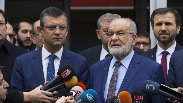 Özgür Özel, Temel Karamollaoğlu - Sputnik Türkiye