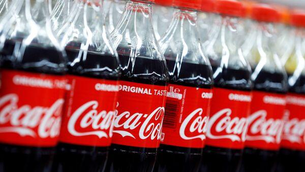 Coca-Cola, Carrefour Hypermarket, Montreuil, Paris yakınları, 2018 - Sputnik Türkiye
