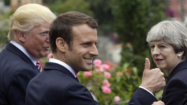 Emmanuel Macron, Donald Trump, Theresa May, Taormina, İtalya, G7 zirvesi, 26 Mayıs 2017 - Sputnik Türkiye