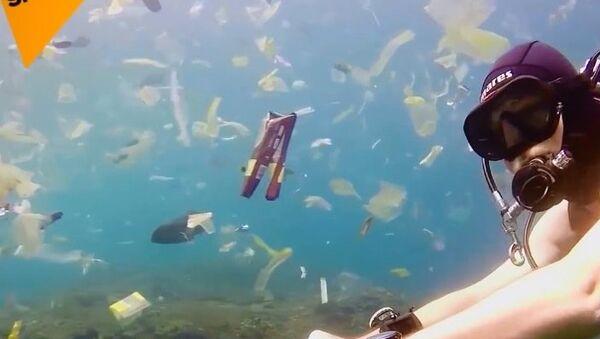 Okyanuslar yüzen plastik çöplüğüne dönüşüyor - Sputnik Türkiye