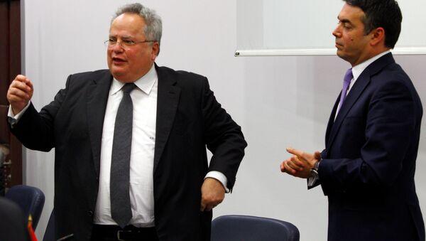Yunanistan Dışişleri Bakanı Nikos Kocias ve Makedonya Dışişleri Bakanı Nikola Dimitrov - Sputnik Türkiye