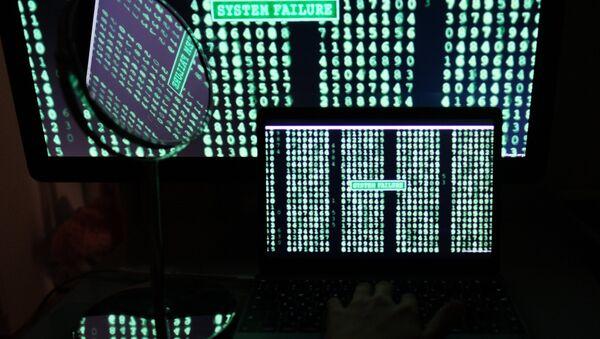 Lines with digits on computer and laptop screens - Sputnik Türkiye