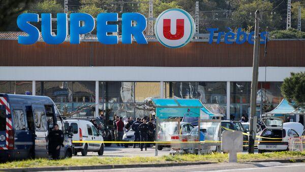 Fransa'nın güney batısındaki Trebes kasabasında Super U adında bir süpermarkette çalışanlarla müşterilerin rehin alındığı IŞİD saldırısı - Sputnik Türkiye