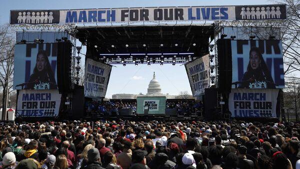 """ABD, silah karşıtı """"March For Our Lives"""" """"Hayatımız için Yürüyüş"""", Washington 25 Mart 2018 - Sputnik Türkiye"""