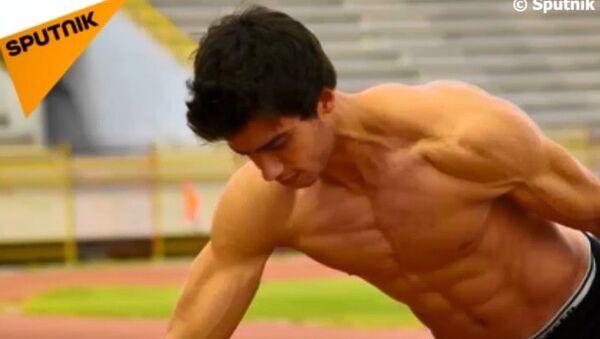 'Suriyeli Bruce Lee' iki parmak şınavıyla rekor kırdı - Sputnik Türkiye