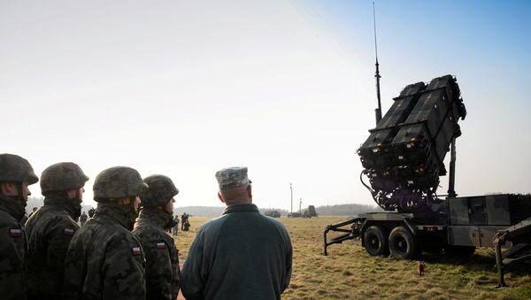 Anlaşmanın ilk etabında ABD, Polonya'ya 16 seyyar füze rampası ve 208 Patriot füzesi temin edecek. Füzeler Polonya ile Rusya sınırındaki Kaliningrad bölgesi yakınlarına konuşlandırılacak. - Sputnik Türkiye