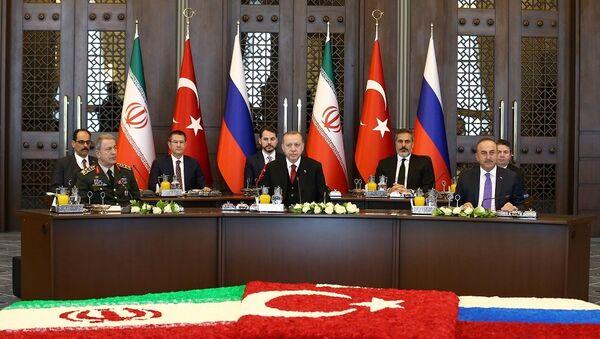 Ankara'da Suriye konulu Türkiye-Rusya-İran zirvesi - Sputnik Türkiye