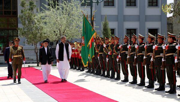 Pakistan Başbakanı Şahid Hakan Abbasi ve Afganistan Cumhurbaşkanı Eşref Gani - Sputnik Türkiye
