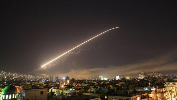 ABD, Suriye'ye saldırı başlattı. - Sputnik Türkiye