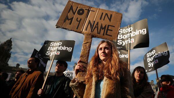 İngiltere'de savaş karşıtı protestolar - Sputnik Türkiye