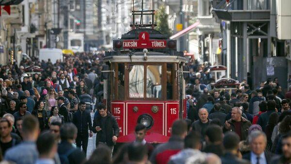 Taksim, İstiklal Caddesi, Beyoğlu, kalabalık - Sputnik Türkiye