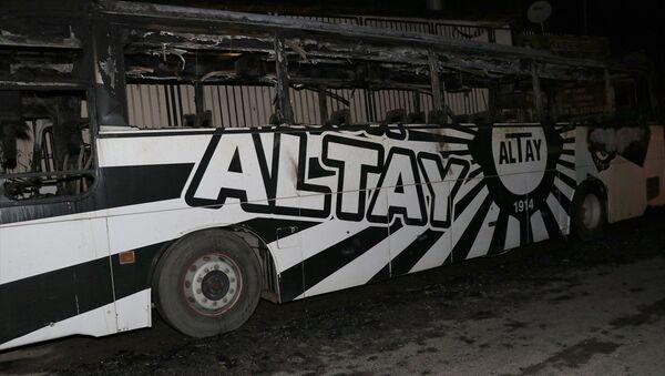 Altay Spor Kulübü'ne ait takım otobüsü yandı - Sputnik Türkiye