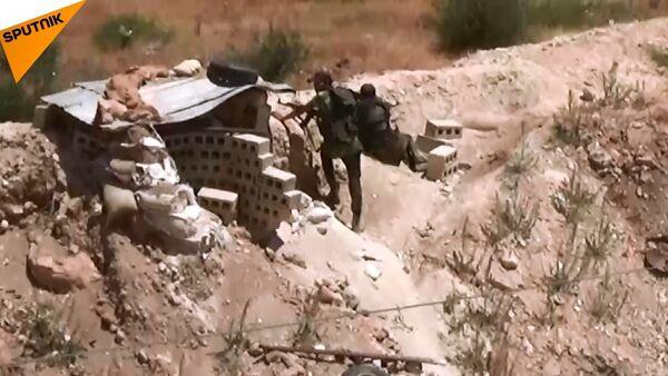 Suriye savaş uçakları Hama'da Nusra konvoyunu vurdu - Sputnik Türkiye