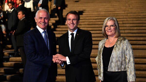 Fransa Cumhurbaşkanı Emmanuel Macron- Avustralya  Başbakanı Malcolm Turnbull ve eşi Lucy Turnbull - Sputnik Türkiye