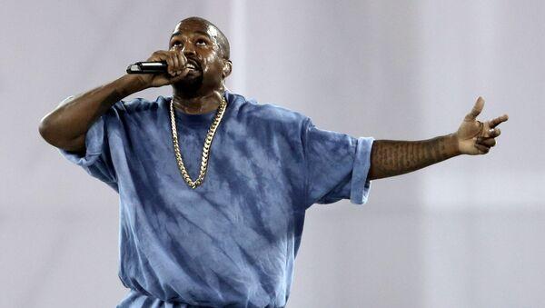 Kanye West, 2015 Pan Am Oyunları'nın kapanış töreninde, Toronto, Kanada - Sputnik Türkiye