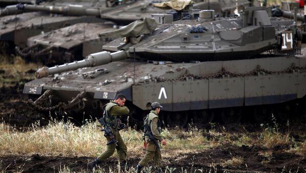 Golan Tepeleri'nde İsrail tankları - Sputnik Türkiye