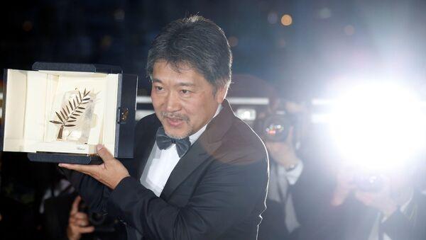 Cannes Film Festivali'nde Altın Palmiye Ödülü Hirokazu Kore-eda'nın yönettiği 'Shoplifters' filmine verildi - Sputnik Türkiye