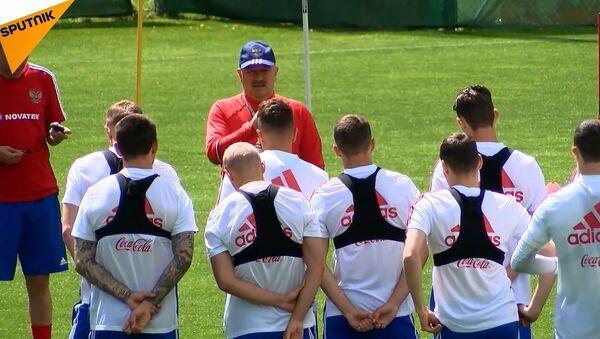 Rusya milli takımı Dünya Kupası hazırlık çalışmaları için Avusturya'da - Sputnik Türkiye