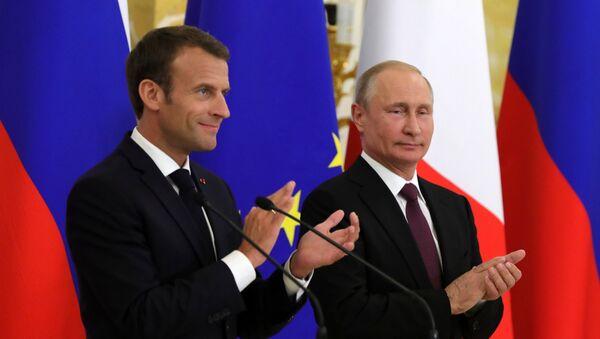 Fransa Cumhurbaşkanı Emmanuel Macron -  Rusya Devlet Başkanı Vladimir Putin - Sputnik Türkiye