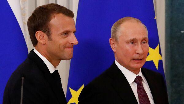 Emmanuel Macron-Vladimir Putin - Sputnik Türkiye