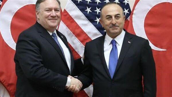 ABD Dışişleri Bakanı Mike Pompeo ve Türkiye Dışişleri Bakanı Mevlüt Çavuşoğlu - Sputnik Türkiye