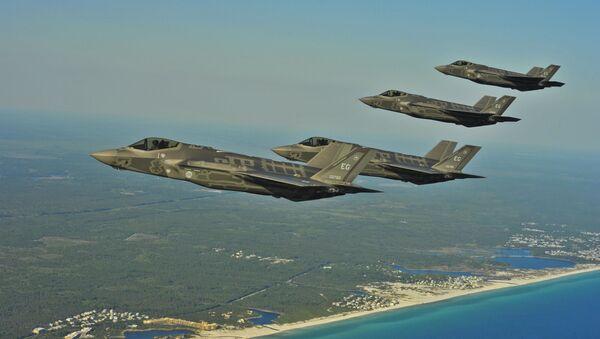 Американские истребители F-35A над побережьем Флориды - Sputnik Türkiye