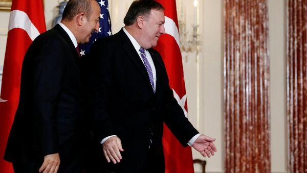 Pompeo ile Çavuşoğlu ABD Dışişleri Bakanlığı'nda - Sputnik Türkiye