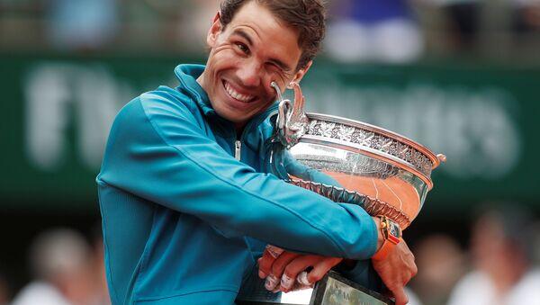 Rafael Nadal, Dominic Thiem'i yenerek 11. Fransa Açık şampiyonluğunu kazandı. - Sputnik Türkiye