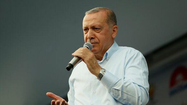 Erdoğan'dan İnce'ye: Oy almak için bu numaraları neden yapıyorsun? - Sputnik Türkiye
